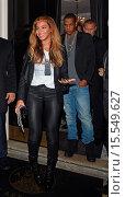 Купить «Beyonce and Jay Z leave The Arts Club Featuring: Beyonce Knowles,Jay Z Where: London, United Kingdom When: 15 Oct 2014 Credit: WENN.com», фото № 15549627, снято 15 октября 2014 г. (c) age Fotostock / Фотобанк Лори