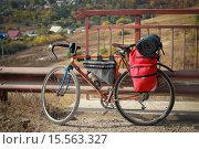 Двухколесный путешественник (2015 год). Редакционное фото, фотограф Евгений Чуриков / Фотобанк Лори