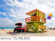 Купить «Ocean Rescue vehicle and lifeguard station on South Beach, Miami, Florida, USA.», фото № 15785815, снято 4 февраля 2015 г. (c) age Fotostock / Фотобанк Лори