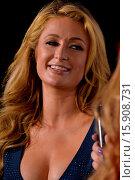 Купить «Paris Hilton showcases her talents as a DJ at Wall Lounge during Art Basel Miami Beach. Featuring: Paris Hilton Where: Miami Beach, Florida, United States...», фото № 15908731, снято 6 декабря 2014 г. (c) age Fotostock / Фотобанк Лори