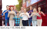 Купить «people showing heart hand sign over london city», фото № 15994483, снято 21 октября 2015 г. (c) Syda Productions / Фотобанк Лори