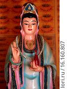 Купить «Quan Am Bodhisattva of compassion, Tu An Buddhist temple.», фото № 16160807, снято 19 октября 2018 г. (c) age Fotostock / Фотобанк Лори
