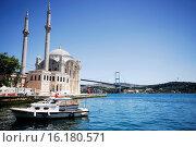 Купить «Büyük Mecidiye mosque in Ortaköy, Istanbul, Turkey.», фото № 16180571, снято 3 июля 2014 г. (c) age Fotostock / Фотобанк Лори
