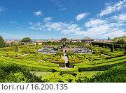 Купить «Italy, Europe, Lazio, Bagnaia, castle, spring, people, formal garden, garden, Villa Lante delle Rovere», фото № 16200135, снято 9 мая 2014 г. (c) age Fotostock / Фотобанк Лори
