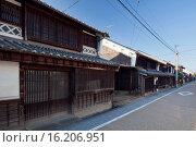 Купить «Japan, Chugoku Region, Okayama Prefecture, Tsuyama, Traditional house at city with empty street.», фото № 16206951, снято 23 октября 2018 г. (c) age Fotostock / Фотобанк Лори