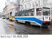 Купить «Трамвай № 37 на Бауманской улице», эксклюзивное фото № 16408359, снято 17 ноября 2009 г. (c) Алёшина Оксана / Фотобанк Лори