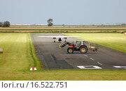 Купить «Flughafenverkehr», фото № 16522751, снято 15 ноября 2018 г. (c) easy Fotostock / Фотобанк Лори
