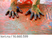 Купить «Children artist hands painting multi color with her fingers», фото № 16660599, снято 18 ноября 2017 г. (c) easy Fotostock / Фотобанк Лори