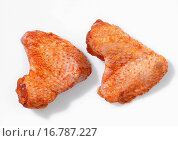 Купить «Two marinated chicken wings», фото № 16787227, снято 17 июня 2019 г. (c) easy Fotostock / Фотобанк Лори
