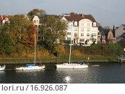 Купить «Яхты в Киль канале Германия», фото № 16926087, снято 28 октября 2015 г. (c) Робул Дмитрий / Фотобанк Лори