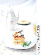 Купить «Sweet chocolate dessert with tea», фото № 16974339, снято 19 сентября 2019 г. (c) easy Fotostock / Фотобанк Лори
