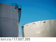 Купить «Industrial liquid chemical tank», фото № 17007395, снято 20 сентября 2019 г. (c) easy Fotostock / Фотобанк Лори