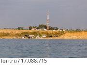 Бывшая погранзастава № 1 «Тамань» и база рыбаков (2015 год). Стоковое фото, фотограф Алексей Шматков / Фотобанк Лори