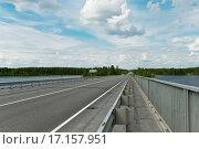 Купить «Россия, Карелия, мост через реку Онигма. (Унижма).», эксклюзивное фото № 17157951, снято 24 июня 2015 г. (c) Александр Циликин / Фотобанк Лори