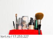 Купить «close up of cosmetic bag with makeup stuff», фото № 17253227, снято 19 ноября 2015 г. (c) Syda Productions / Фотобанк Лори