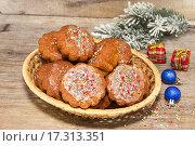 Купить «Домашние кексы в новогоднем оформлении», фото № 17313351, снято 24 декабря 2015 г. (c) Наталья Осипова / Фотобанк Лори
