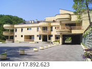 Купить «Резиденция президента Абхазии («Дача Горбачева»). Абхазия, Мюссера», фото № 17892623, снято 31 августа 2015 г. (c) Tati@art / Фотобанк Лори