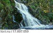 Купить «Водопад Юканкоски в Карелии, замедленное движение», видеоролик № 17897059, снято 26 декабря 2015 г. (c) Михаил Коханчиков / Фотобанк Лори