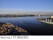 Катер на Неве (2012 год). Стоковое фото, фотограф Верстуков Виктор / Фотобанк Лори