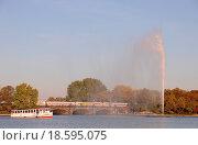 Купить «Alsterschifffahrt», фото № 18595075, снято 10 декабря 2018 г. (c) easy Fotostock / Фотобанк Лори