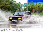 Купить «Lada 2107 Zhiguli», фото № 18644299, снято 7 сентября 2013 г. (c) Art Konovalov / Фотобанк Лори