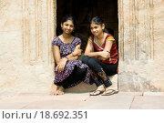 Купить «Sisters at Doorstep», фото № 18692351, снято 5 июля 2020 г. (c) easy Fotostock / Фотобанк Лори