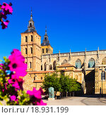 Cathedral of Astorga in summer. Стоковое фото, фотограф Яков Филимонов / Фотобанк Лори
