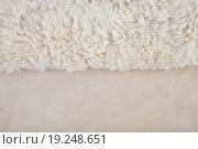 Белый овечий мех, фон. Стоковое фото, фотограф Юрий Волобуев / Фотобанк Лори