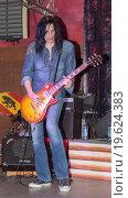 """Концерт группы """"Коридор"""" (2015 год). Редакционное фото, фотограф Amir Navrutdinov / Фотобанк Лори"""