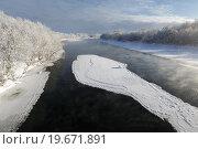 Купить «Зимний вид на реку Камчатку», фото № 19671891, снято 3 января 2016 г. (c) А. А. Пирагис / Фотобанк Лори