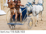 Купить «Warriors, Roman chariot in a fight of gladiators, bloody circus», фото № 19928103, снято 4 июля 2020 г. (c) easy Fotostock / Фотобанк Лори