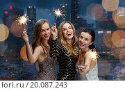 Купить «happy young women dancing at night club disco», фото № 20087243, снято 21 ноября 2015 г. (c) Syda Productions / Фотобанк Лори