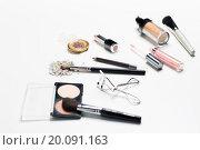 Купить «close up of makeup stuff», фото № 20091163, снято 19 ноября 2015 г. (c) Syda Productions / Фотобанк Лори