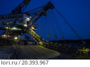 Купить «night view of career stacker», фото № 20393967, снято 1 июля 2014 г. (c) Losevsky Pavel / Фотобанк Лори