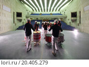 Купить «MOSCOW - SEP 26: An auditorium and rehearsal of the musical group of 11 people on stage, view from behind the scenes, on September 26, 2013 in Moscow, Russia.», фото № 20405279, снято 26 сентября 2013 г. (c) Losevsky Pavel / Фотобанк Лори