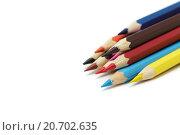 Заточенные цветные карандаши на белом фоне. Стоковое фото, фотограф Виктор Колдунов / Фотобанк Лори
