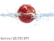 Купить «apple falling or dipping in water with splash», фото № 20731971, снято 15 декабря 2015 г. (c) Syda Productions / Фотобанк Лори