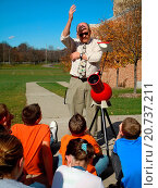 Купить «6th grade science class, outdoors», фото № 20737211, снято 27 октября 2010 г. (c) age Fotostock / Фотобанк Лори