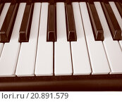 Купить «Retro look Music keyboard», фото № 20891579, снято 15 июня 2019 г. (c) PantherMedia / Фотобанк Лори