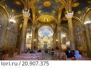 Купить «The interior of  The Church of All Nations (Basilica of the Agony) in Jerusalem», фото № 20907375, снято 15 декабря 2015 г. (c) Наталья Волкова / Фотобанк Лори