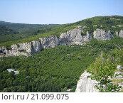 Ущелье в горах Болгарии. Стоковое фото, фотограф Фёдор Ромашов / Фотобанк Лори