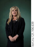 EDINBURGH, SCOTLAND, Tuesday 25th, AUGUST 2015: English comedienne, writer and actress Helen Lederer appears at the Edinburgh International Book Festival... Редакционное фото, фотограф Guillem López / age Fotostock / Фотобанк Лори