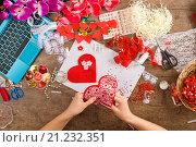 Купить «Toys Valentine's Day with their own hands, top view», фото № 21232351, снято 16 января 2016 г. (c) Владимир Мельников / Фотобанк Лори