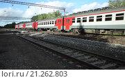 Купить «Поезд РЖД», видеоролик № 21262803, снято 6 июля 2015 г. (c) Газизов Ильнар / Фотобанк Лори
