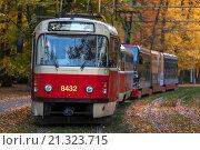 Купить «Prague Streetcar, Stromovka, Czech Reublic.», фото № 21323715, снято 1 ноября 2015 г. (c) age Fotostock / Фотобанк Лори