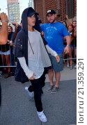 Justin Bieber at Z100 in New York (2015 год). Редакционное фото, фотограф TNYF / WENN.com / age Fotostock / Фотобанк Лори