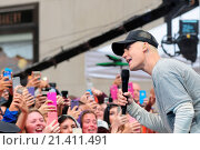 Justin Bieber performing live on NBC's Today show part of the NBC... (2015 год). Редакционное фото, фотограф Dan Jackman / WENN.com / age Fotostock / Фотобанк Лори