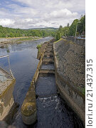 Купить «Pitlochry hydroelectric dam, power station & salmon ladder, Scotland», фото № 21437315, снято 19 июля 2018 г. (c) age Fotostock / Фотобанк Лори