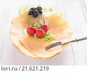 Купить «Cheese on a plate with tomatoes and grapes», фото № 21621219, снято 26 мая 2020 г. (c) easy Fotostock / Фотобанк Лори