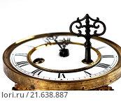 Купить «Old clock with roman numerals and key.», фото № 21638887, снято 18 ноября 2018 г. (c) easy Fotostock / Фотобанк Лори